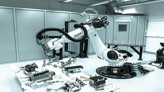 The DARLab's robotic arm and quick-change plates