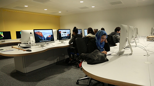Students in the Mac room