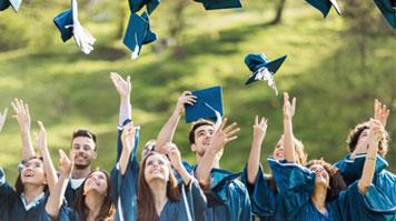DLHE students graduate 2015