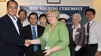 LSBU signs Memorandum of Understanding with I-Systems College, Kuching.