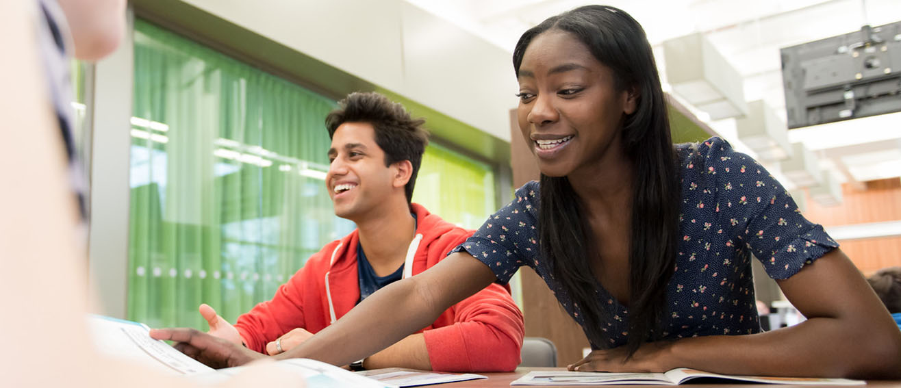 Students study together 1316x567
