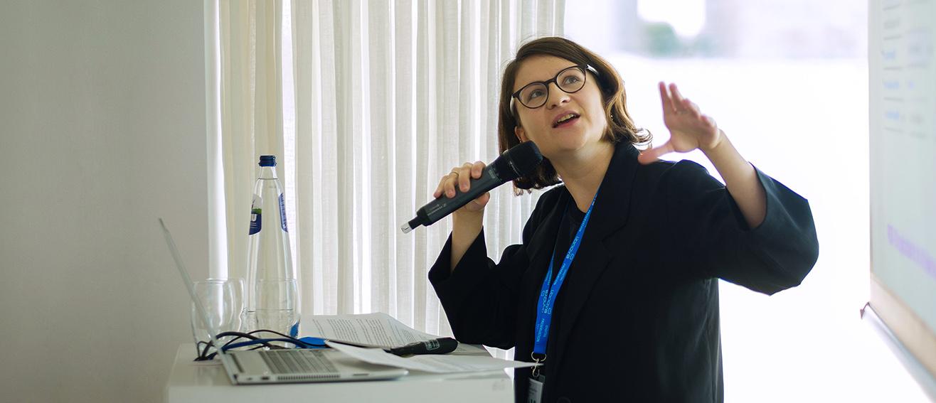 Lozana gives a presentation